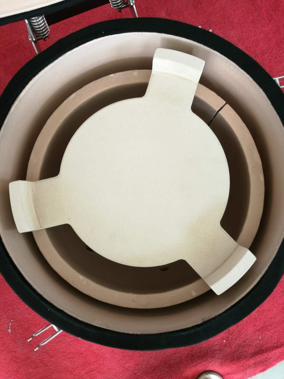 ceramic deflector for kamado grill with feet